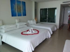 Samui Resotel & Spa bedroom with plenty of space