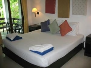 Sea Breeze Place Lamai bedroom with terrace
