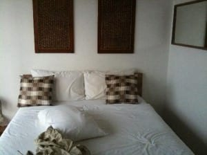 5ive Beach House Hotel Jomtien bed