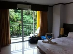 Asialoop Guest House bedroom (superior) Patong Phuket