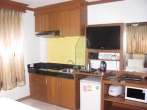 Green Harbor Hotel & Service Apartment Phuket Patong kitchen facilities